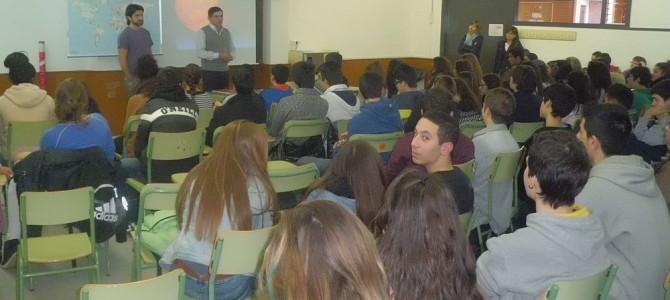 Ressenya de la xerrada a l'IES Cendrassos, que apareix a la revista d'aquest institut de Figueres.